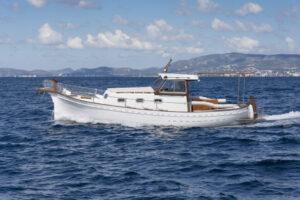 Day Charter Mallorca excursions boat Palma